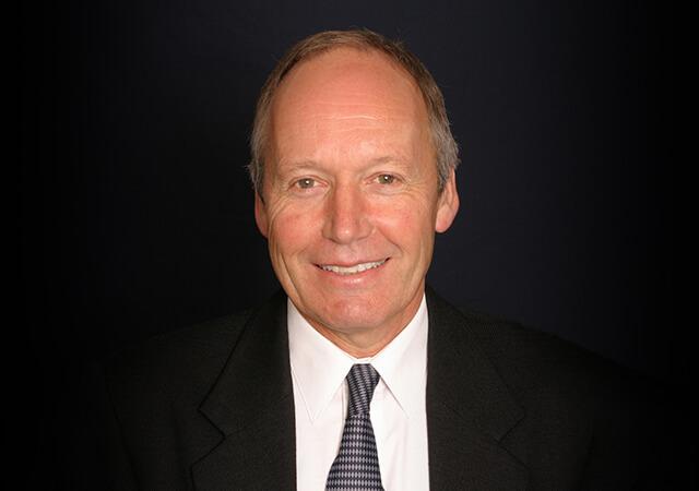 Dr David Kerr
