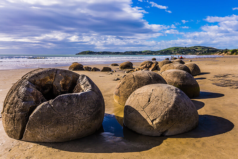 bigstock-Travel-to-New-Zealand-Boulder-291488992