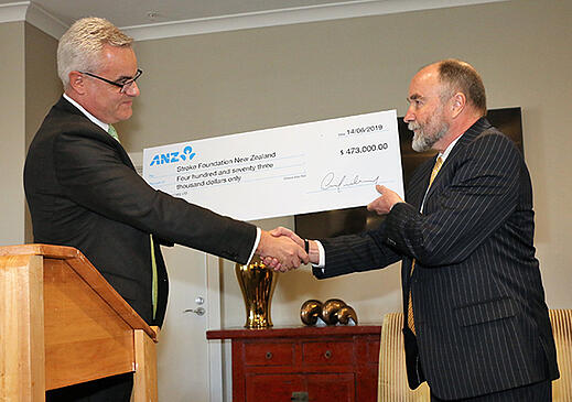 Stroke-Foundation-Cheque-handover