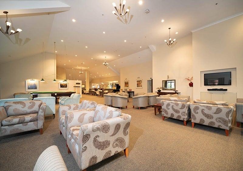 201102 AW Lounge