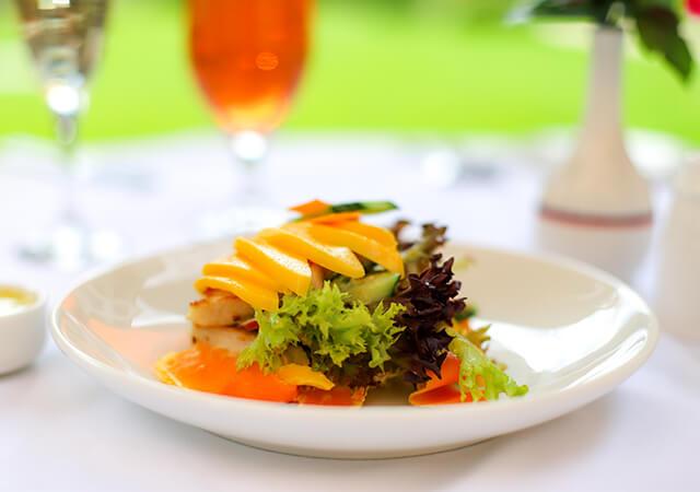 Chicken & Mango Salad-640x450